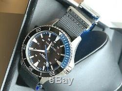 BRAND NEW Hamilton Men Khaki Field Black Dial Rubber Band Watch H82315931