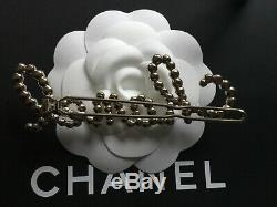 CHANEL 19K Hair Pearl Crystal Barrette Accessory Fall 2019 Brand New Boxed